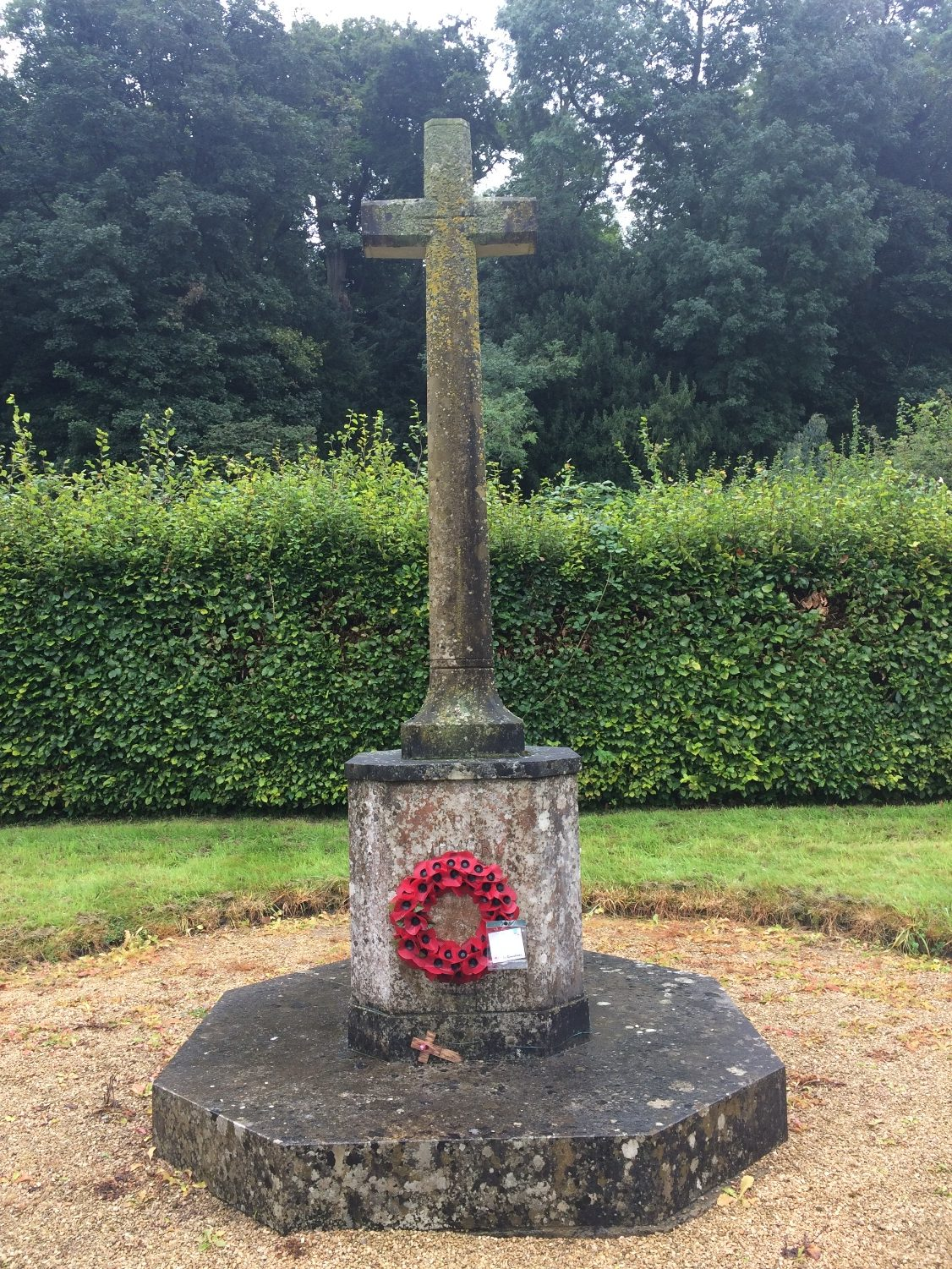 1st World War memorial before cleaning