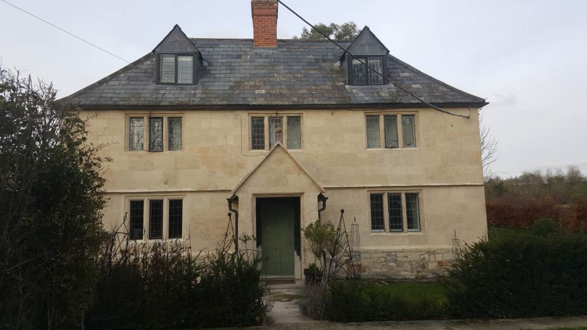 Devizes Farmhouse After Paint Removed, Limewash Removed, Cleaned and Re-Pointedd